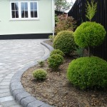 Curved planter